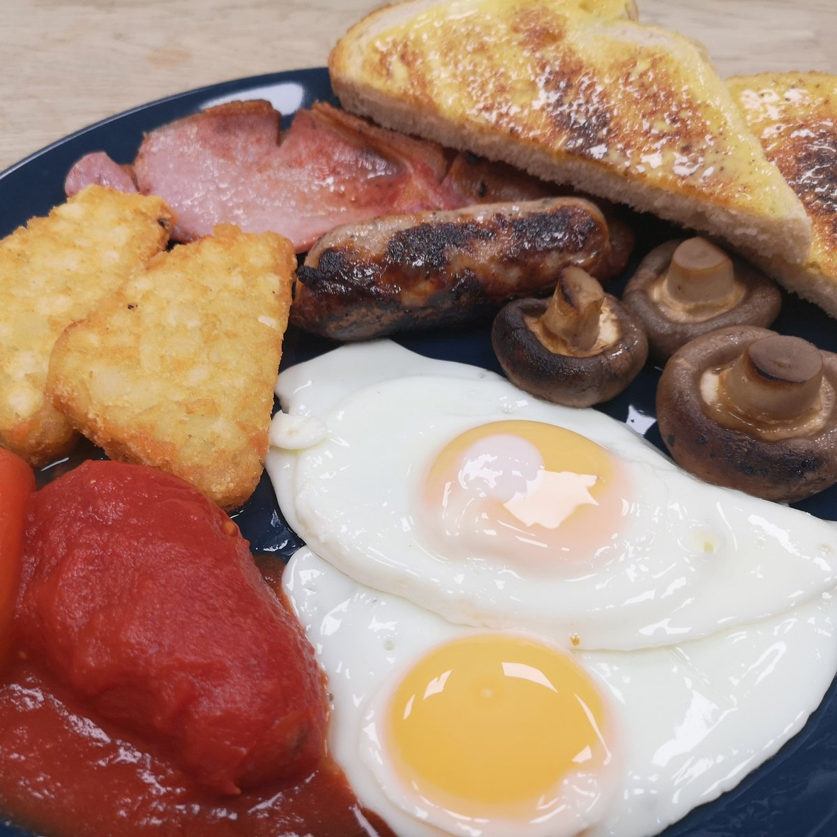 #Breakfast you ask, we serve it #AllDay and looking this good why not spoil yourself with one 😋 #FreshlyCooked #CookedToOrder #SupportLocal #ShopLocal #ShopIndie #NorthantsHour