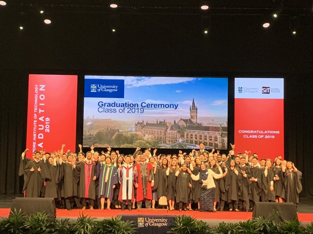 Congratulations to all our wonderful new @singaporetech @UofG_alumni 🎉 following our Singapore graduation ceremony today! We are so proud of you all! 🎓👏 💫  #UofGWorldChangers #TeamUofG