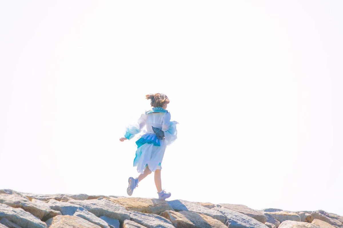 SACHIKOさん(@19Sacchan )の素敵な服のモデルをさせて頂きました。魔法少女になりたかったという私の呟きを真剣にきいて叶えてくれました。