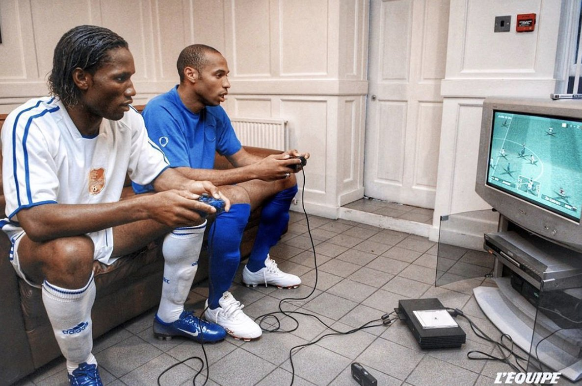 Two legends playing winning 11 on PS2. 🎮⚽Remember that game?#Drogba #Henry #ThieryHenry #DidierDrogba #Chelsea #Arsenal #MoreThanABet #soccer #footballer #footballislife #lovefootball #ilovefootball #sportspicks #soccerstars #footballbettingtips #footballbettingexpert