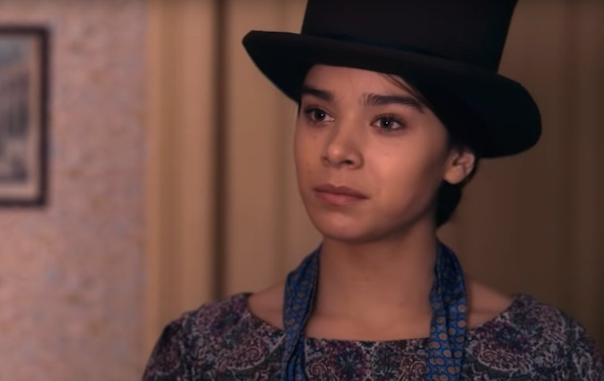 """Hailee Steinfeld plays a young, rebellious Emily Dickinson in Apple TV+ """"Dickinson."""" ow.ly/9Uom30pJUO9"""