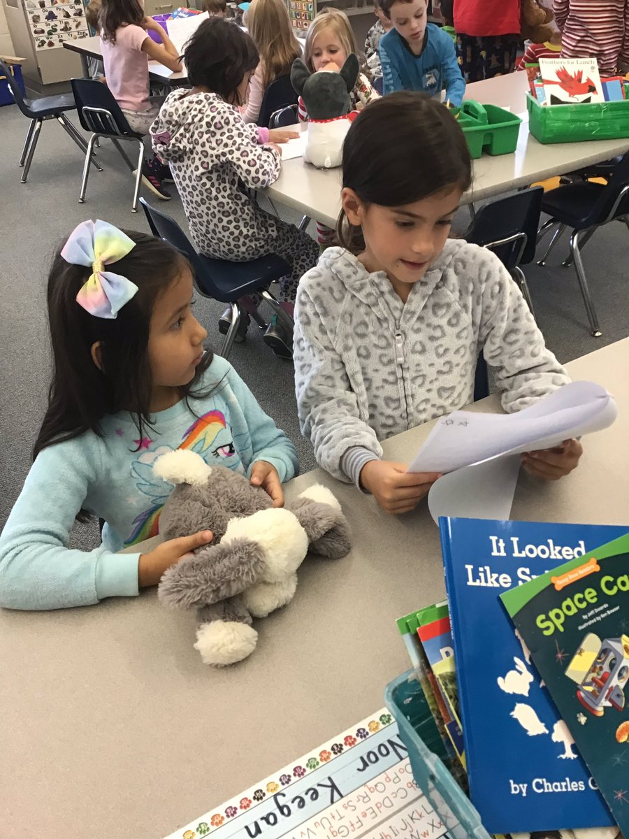 """Reading """"small moments"""" to our kindergarten friends <a target='_blank' href='http://twitter.com/GlebeAPS'>@GlebeAPS</a> <a target='_blank' href='http://twitter.com/GlebeReading'>@GlebeReading</a> <a target='_blank' href='http://twitter.com/APSVirginia'>@APSVirginia</a> <a target='_blank' href='http://twitter.com/Glebekdg'>@Glebekdg</a> <a target='_blank' href='http://search.twitter.com/search?q=GlebeEagles'><a target='_blank' href='https://twitter.com/hashtag/GlebeEagles?src=hash'>#GlebeEagles</a></a> <a target='_blank' href='https://t.co/bdkI2ip4TG'>https://t.co/bdkI2ip4TG</a>"""