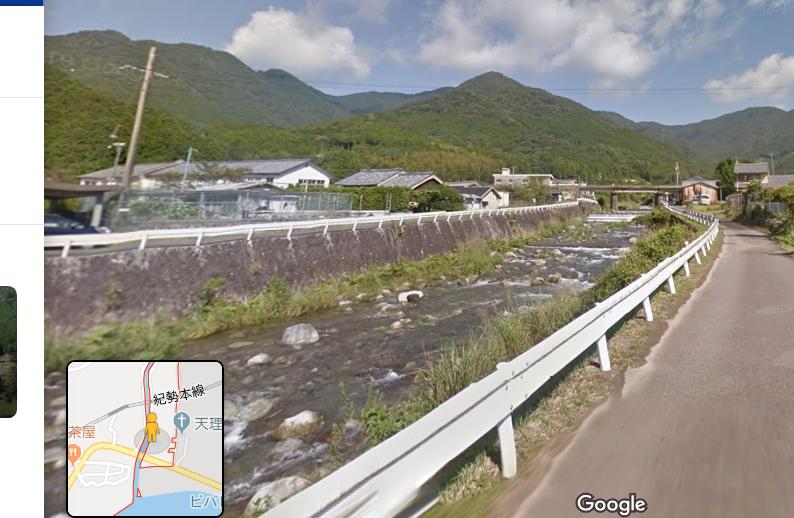 画像,三重県尾鷲市によりますと、市内を流れる沓川(くつがわ)が三木里町で氾濫。 https://t.co/C1e2JOUjTW。