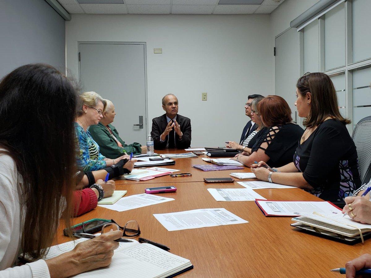 El presidente, Dr. Jorge Haddock, se reúne con el Comité de Diálogo Institucional de la @UPR_Oficial . Reitera su visión de mantener los 11 recintos y detener la reducción de $71 millones para el próximo año fiscal ante los nuevos requerimientos de la Junta de Supervisión Fiscal.