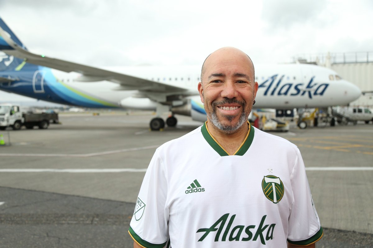 Say hi to @AlaskaAir line maintenance technician Richie Ferrer!    RT this for a chance to win a white kit and travel voucher, courtesy of @AlaskaAir. #iFlyAlaska #RCTID  <br>http://pic.twitter.com/gK9hn4a0HS