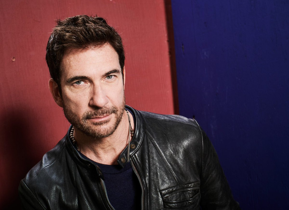 "Dylan McDermott is officially returning for ""American Horror Story: 1984."" #AHS1984 <br>http://pic.twitter.com/0mZ7BdfKLr"
