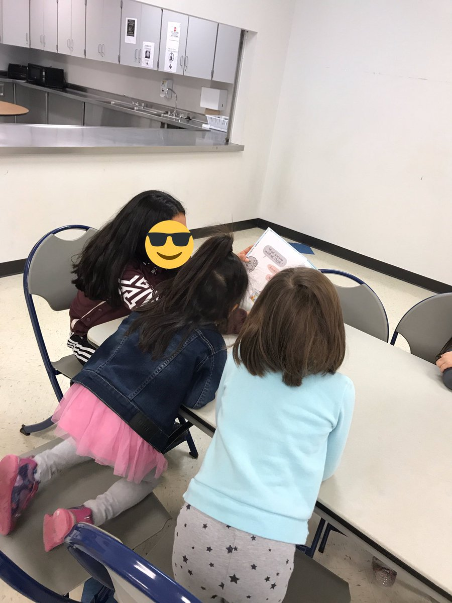 Gunston middle schoolers loved reading to our PreK friends on this fabulous fall Friday! <a target='_blank' href='http://twitter.com/mccbooklove'>@mccbooklove</a> <a target='_blank' href='http://twitter.com/APSLibrarians'>@APSLibrarians</a> <a target='_blank' href='https://t.co/WCSbq2nVNa'>https://t.co/WCSbq2nVNa</a>