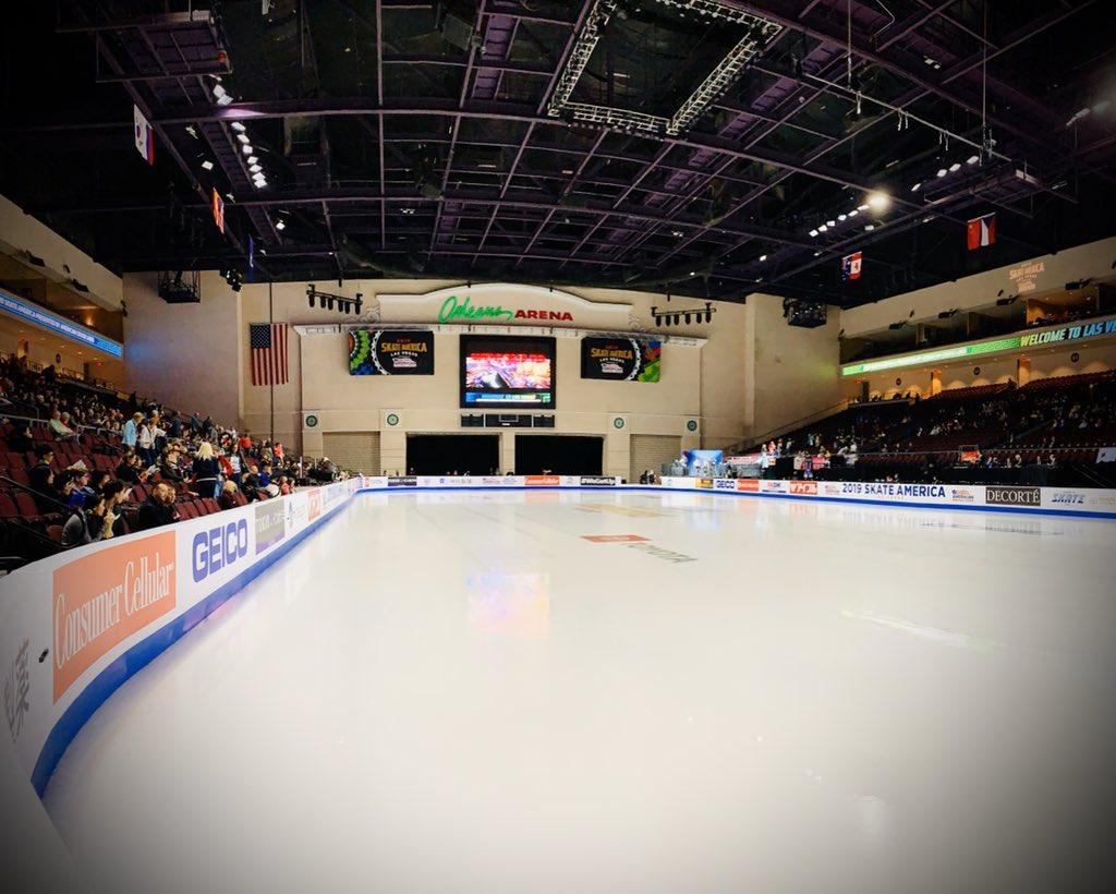 GP - 1 этап. Skate America Las Vegas, NV / USA October 18-20, 2019   - Страница 6 EHL2iPnU8AEvIsZ?format=jpg&name=medium