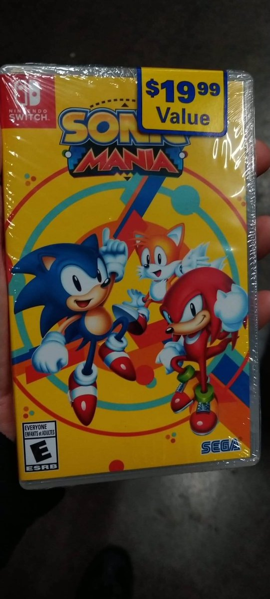 So this is what the Sonic Mania (no plus) version looks like. Also, there is no reversible cover. $19.99.   It sounds like it'll be hitting the floor on 10/20 (Sunday) so check your local stores then.   #SwitchCorps <br>http://pic.twitter.com/Xb3F5udoT7