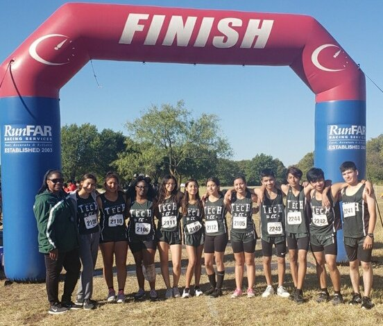Trimble Technical representing at the 4-6A Cross Country meet. @FortWorthISD @TTHSBulldogs