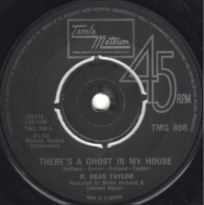 #HauntedHousePlaylist There's A Ghost In My House 😱😱😱