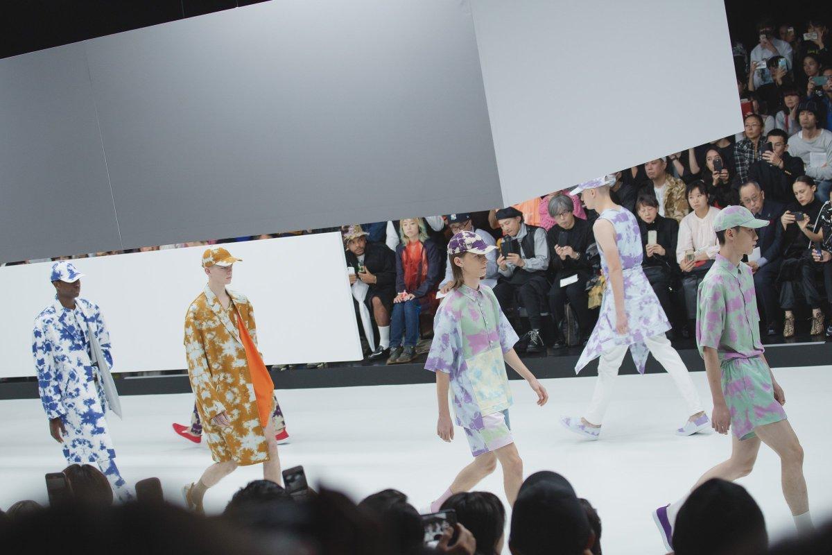 「ファッションでポジティブなパワーを伝えたい」10色のタイダイで彩り豊かなフィナーレ。大沢伸一のオリジナルトラックで、ミスター・ジェントルマンが2020年春夏コレクションを発表。  #東コレ20年春夏 #RakutenFWT