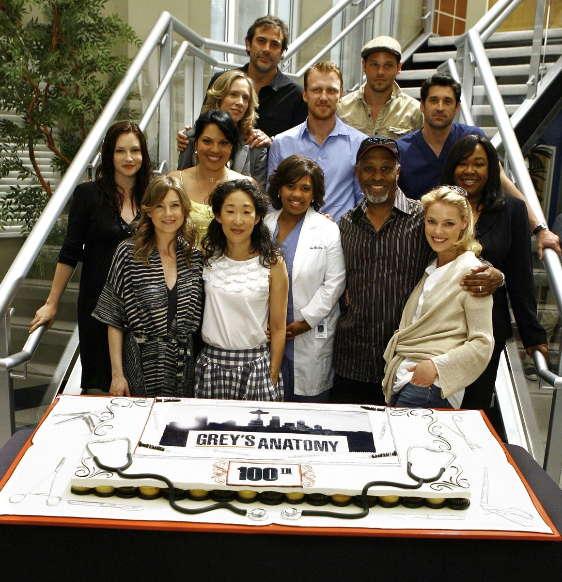 I miss this cast so much 😭 #GreysAnantomy