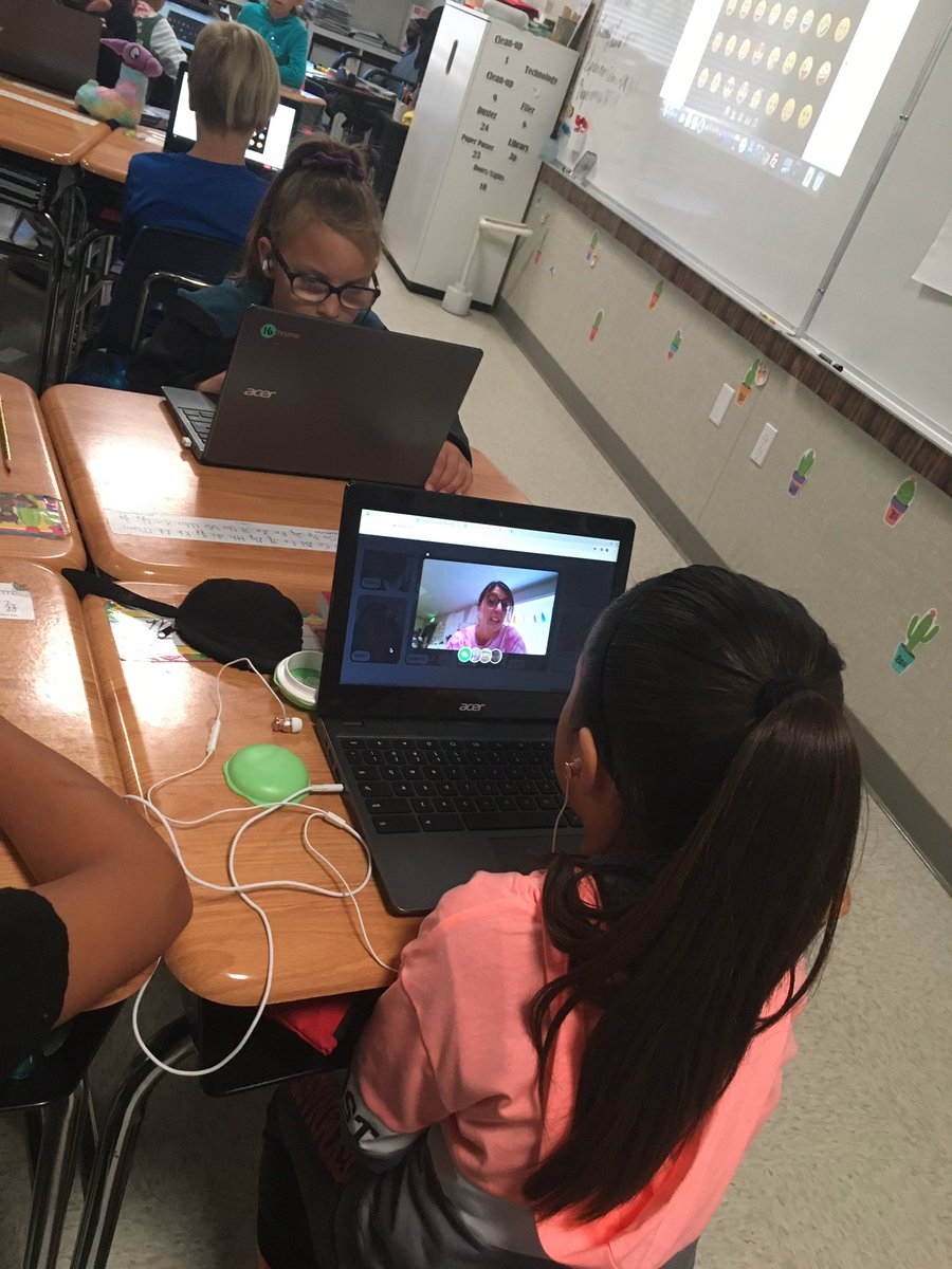 3rd graders using flipgrid to share all about their favorite book! Way to go Maple Mustangs! @Tech_Buddha  #wearemaplemustangs #thefuturestartswithus https://t.co/BQTkzynnzW