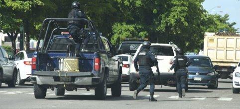 "#Video   Fue ""intimidante"" la fuerza que mostró el Cártel de Sinaloa, que presionó para liberación de Ovidio: Reveles http://ow.ly/JVEM30pJZE3"
