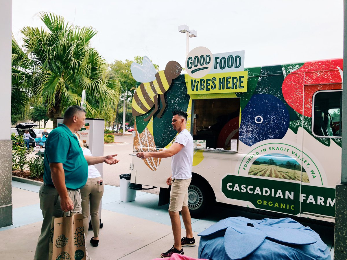 Thanks to everyone who joined us at @WholeFoods Carrollwood today! We're loving every stop along our #Tampa tour! 🚚 #GoodFoodVibesTampa #cascadianfarm #wholefoods #alwaysorganic https://t.co/l8pqr9EwSc