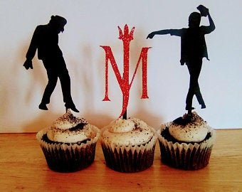 These cupcakes look Michaeltastic! 🧁 #NationalChocolateCupcakeDay  #MichaelJackson