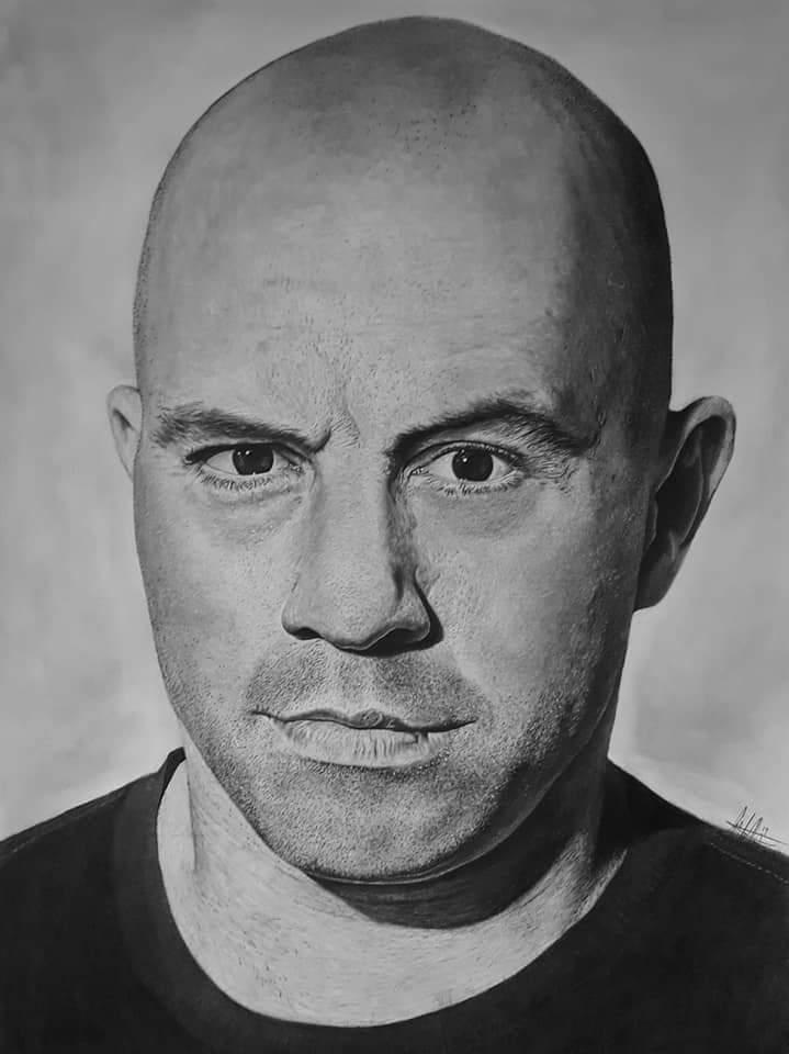@joerogan I stole your face @joerogan 18in by 24in drawing. https://t.co/akuwVKo5qt