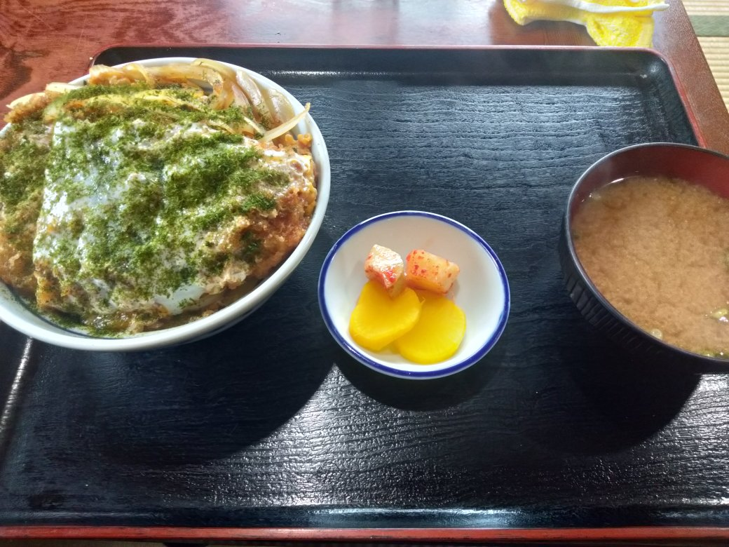 弓田 食堂