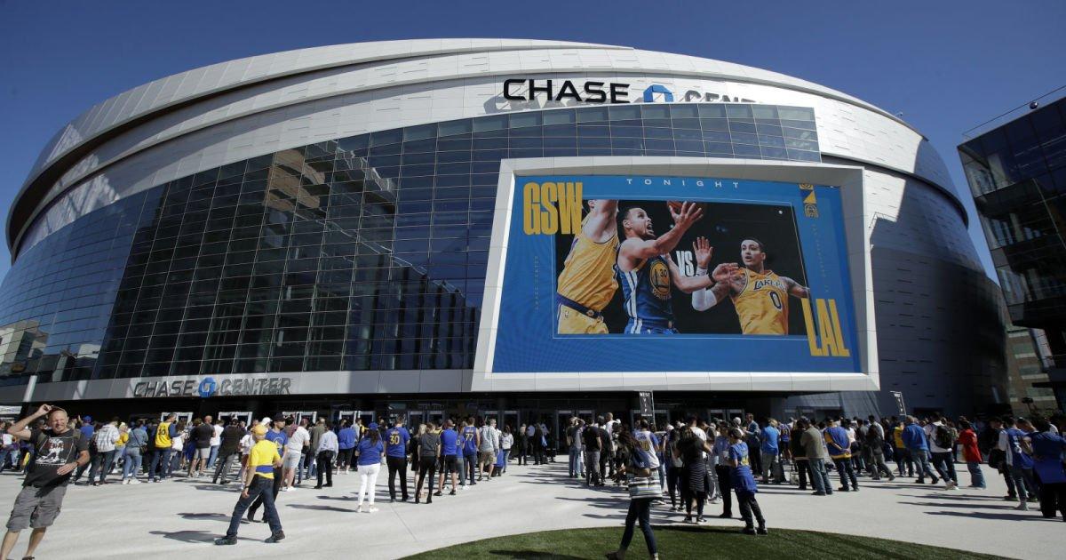 Verizon adds 5G coverage to three basketball and hockey arenas
