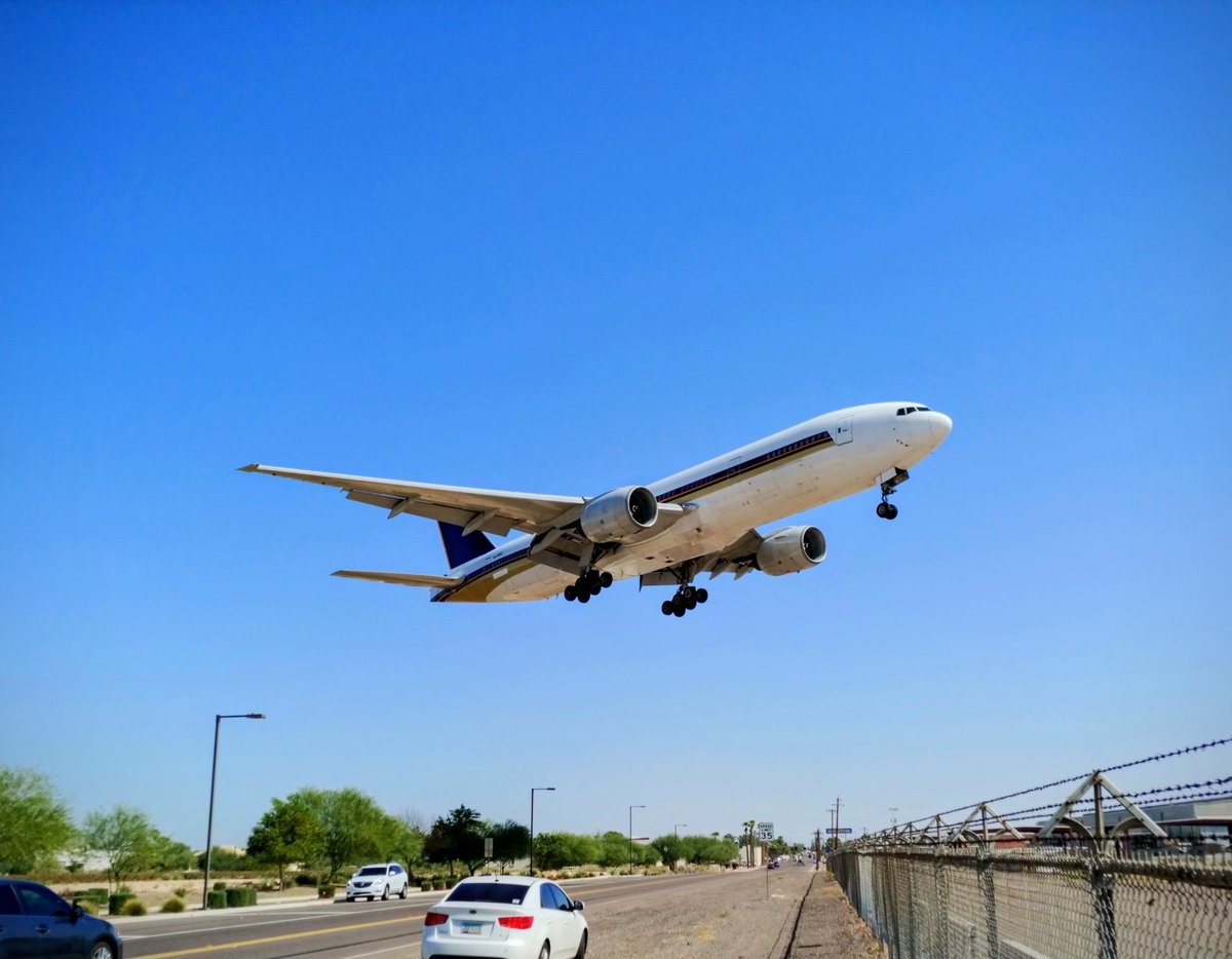 #B772 landing at #GYRAirport today. #planespotting