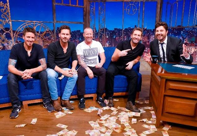 Imperdível! #TheNoite recebe a banda @Nickelback e o ator @LochlynMunro no programa desta sexta-feira (18)  Confira: http://bit.ly/33Ethp2 👈