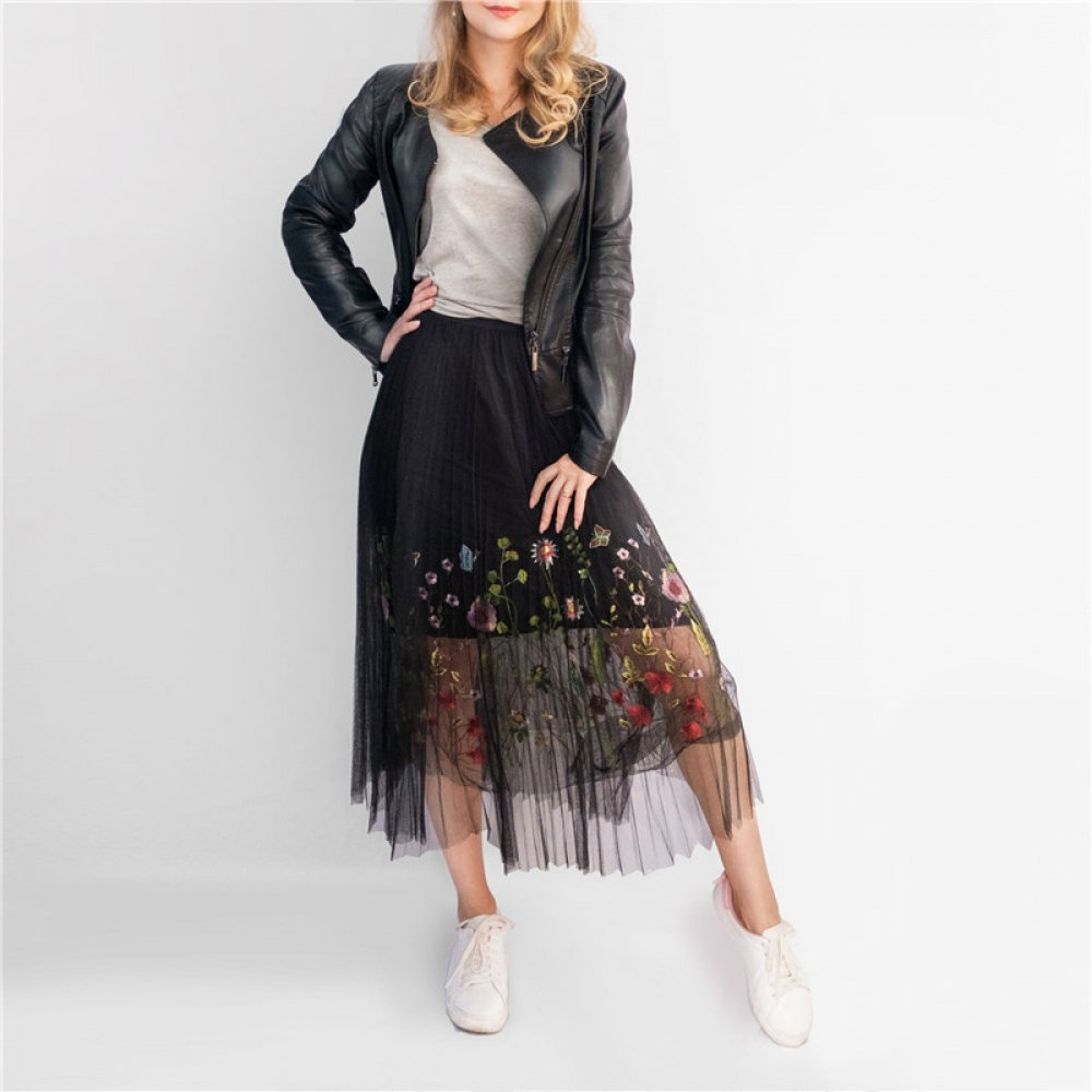 #makeup #bestoftheday Women's Vintage Floral Embroideried Skirt With Tassels  https:// openmyfashion.com/product/womens -vintage-floral-embroideried-skirt-with-tassels/  … <br>http://pic.twitter.com/qUWzgt6gqj