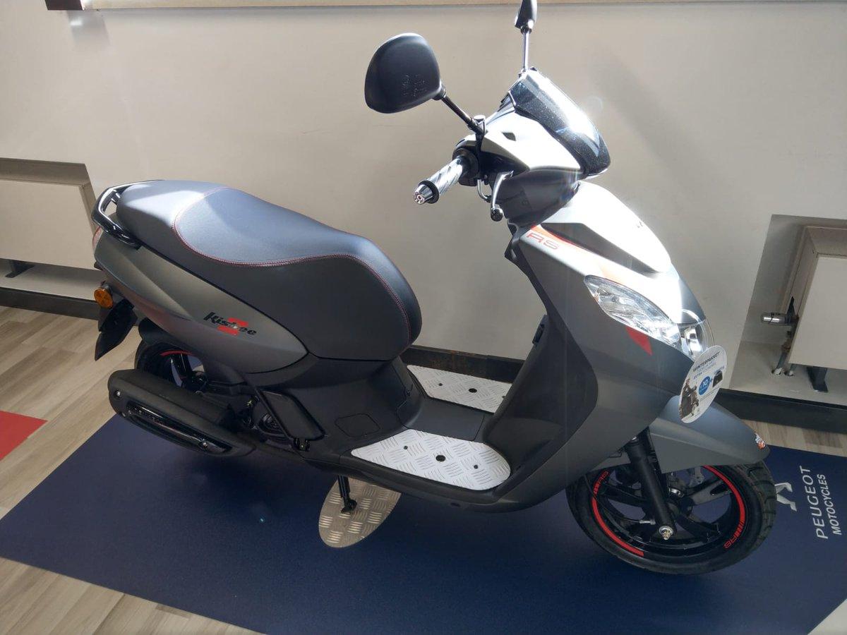 test Twitter Media - Scooter rijles?  Vanaf volgende week kan dit bij ons op deze splinternieuwe Peugeot's Kisbee RS https://t.co/ubDboplNhb
