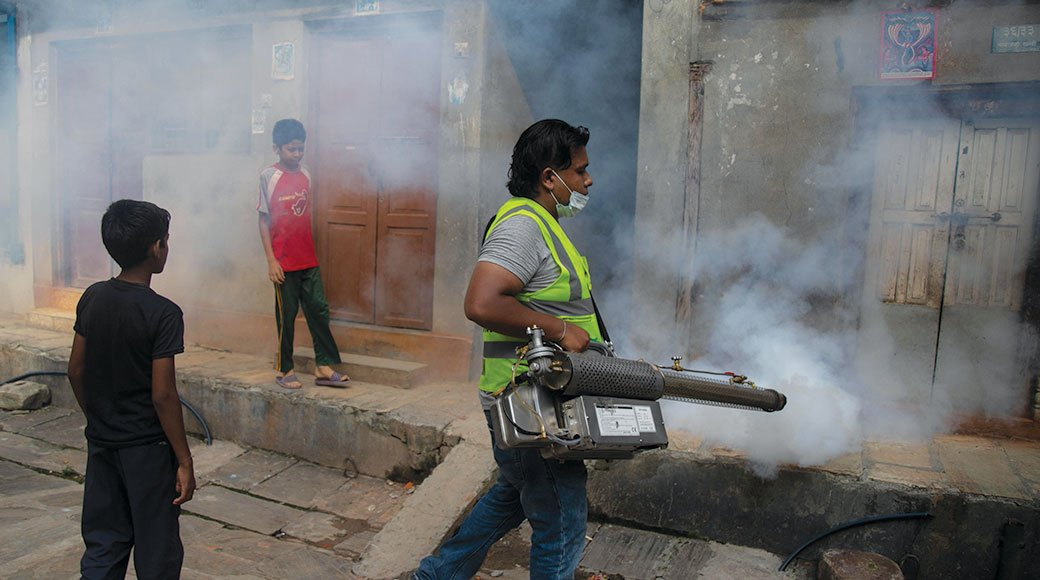 At least 9,000 people have been diagnosed with #Dengue since August, according to government health data.http://ow.ly/bZ8g50wHU0j#Nepal #Virus