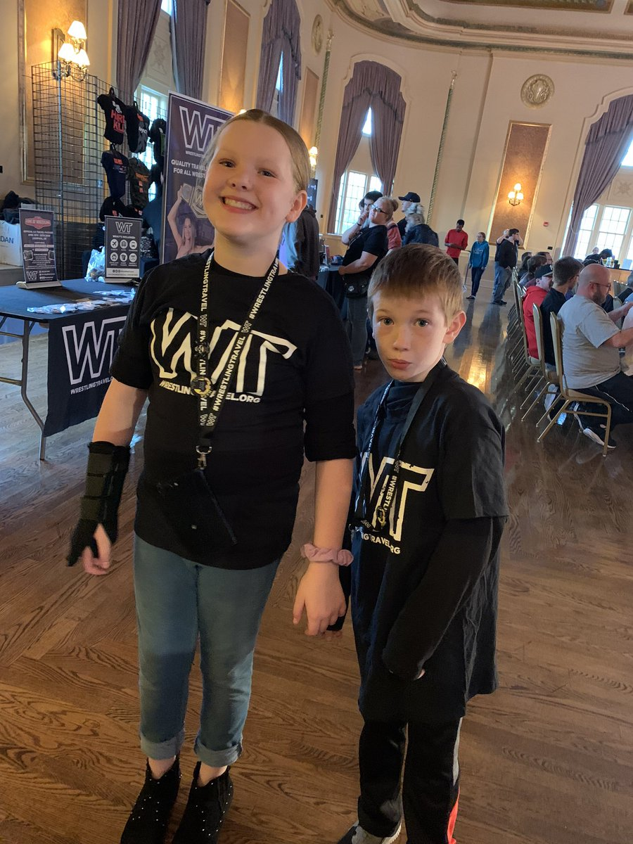 2 happy kids to be @IMPACTWRESTLING tonight in South Bend. Excited to see @OfficialEGO @Walking_Weapon @Tess_Blanchard https://t.co/zNPEeaDMVc