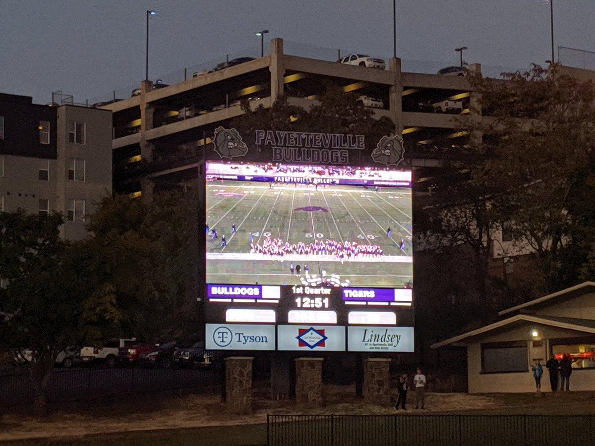 FRIDAY NIGHT LIGHTS @FayettevilleHS. Purple Dogs vs. Bentonville. About ready for kickoff. #PurpleReign #ARPreps