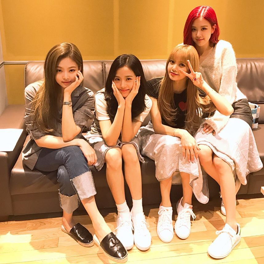 Should we have a streaming party for DDDD, BLINKS?   #BLACKPINK #TheGroup #PCAs @ygofficialblink<br>http://pic.twitter.com/fkmwW9q87N