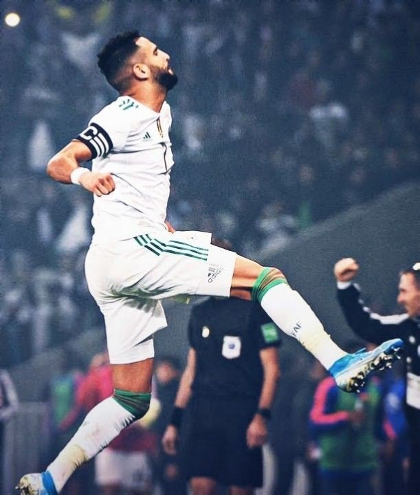 Not to be biased but riyad is the best African player @Mahrez22 Algeria is so proud of you #محرز_أفضل_لاعب_في_إفريقيا  #mahrez #riyadmahrez #algeria #leszhommes #lesfennecs #eldjazair<br>http://pic.twitter.com/oqLzuEfvP1