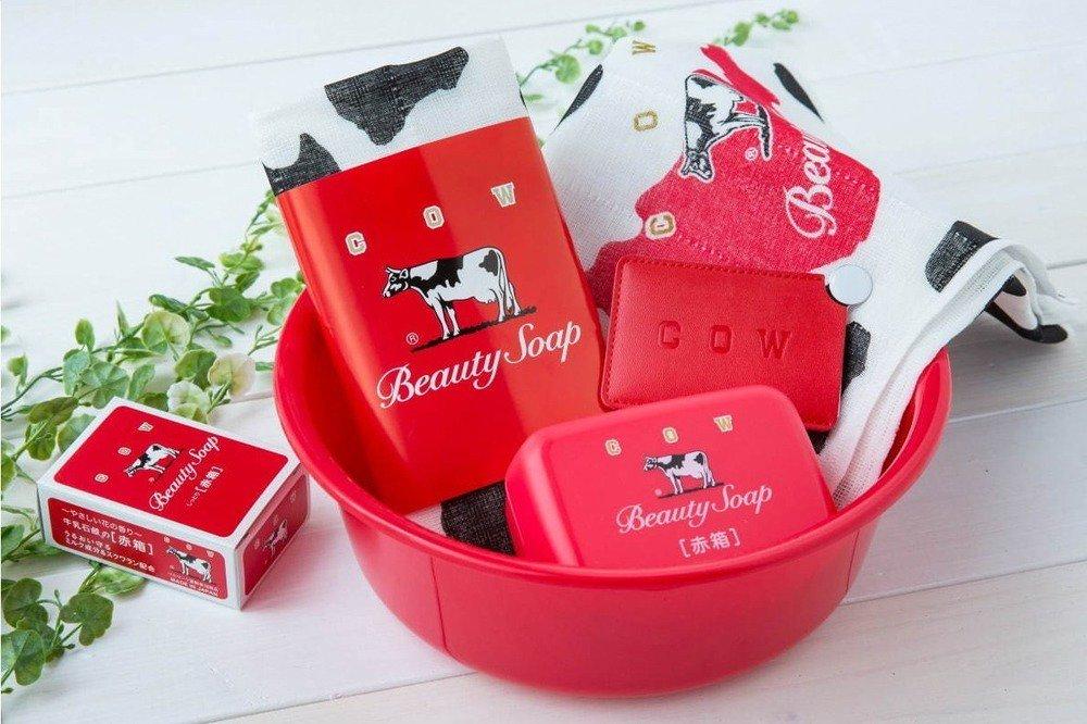 """泡を楽しむ「赤箱 AWA-YA」福岡に、ハート缶入り牛乳石けんの販売&""""巨大ガチャ""""も初登場 -"""