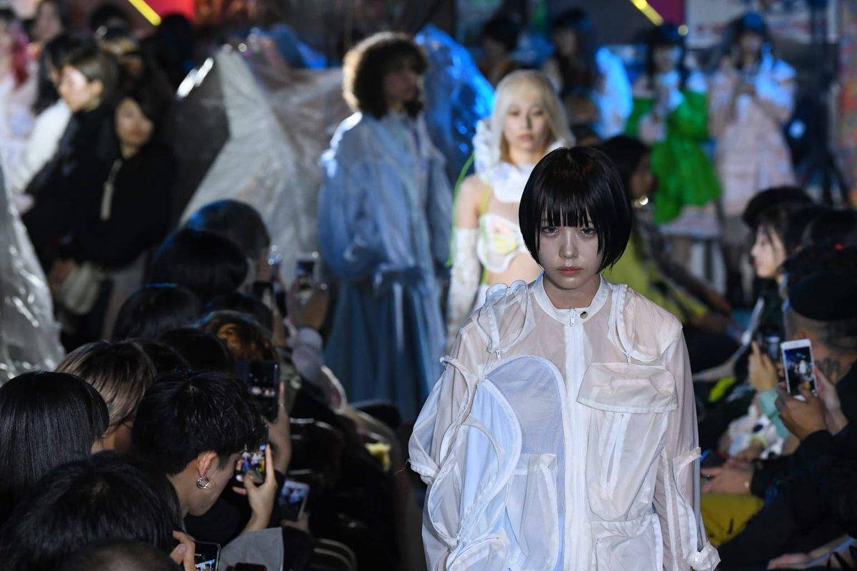 売るためのファッションショーに未来はない?ミキオサカベが示したショーの意味  #RakutenFWT #東コレ20年春夏