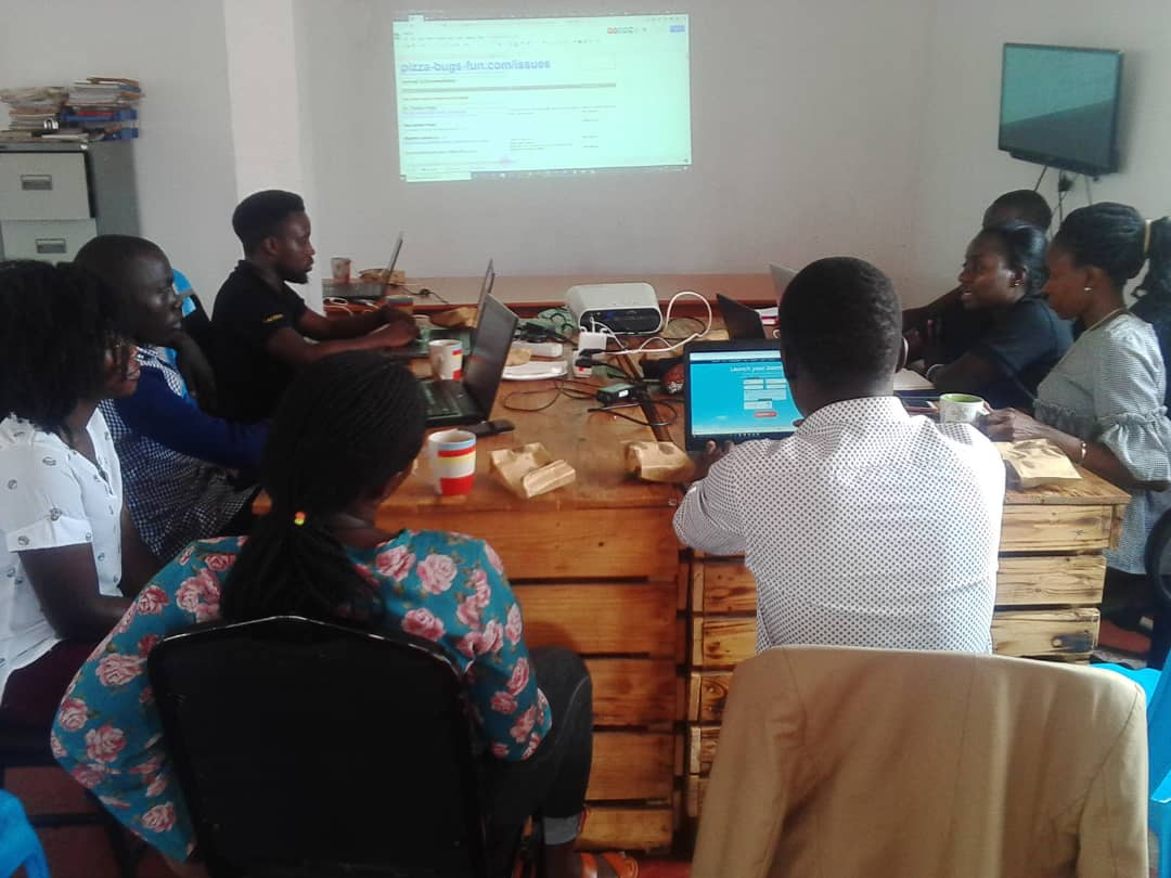 Joomla Pizza, bugs & fun happening now in Uganda, Kampala at TechBuzz Hub @Joomlauganda Pizza Bugs & Fun (PBF), is where #designers, #developers and #users meet and work together on Joomla! to make it even better @joomla @webstaruganda @JoomlaDeveloper <br>http://pic.twitter.com/tKuy4YHXqE