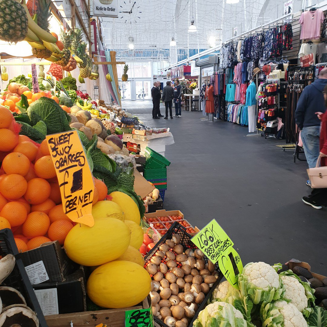 Making the roast tomorrow? Buy your joint and your veggies in #PlymouthMarket. Fresh, local and fabulous #Sundayroast #Sundaylunch #PlymouthMarket<br>http://pic.twitter.com/5XwZrz054B