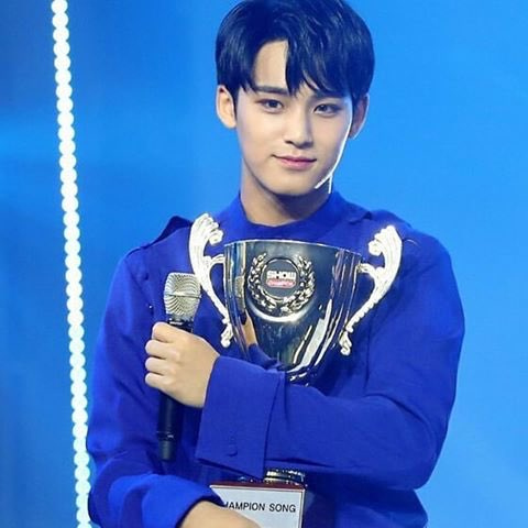 does mingyu know how cute he looks when hes holding trophies <br>http://pic.twitter.com/g3SDzh1w7b