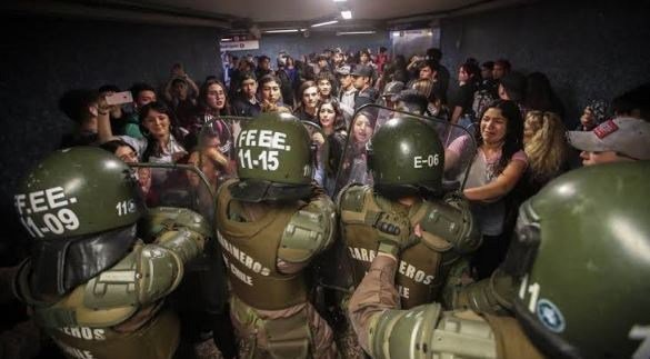 Chilean president declares emergency in capital Santiago #TPEoorhh thepigeonexpress.com/chilean-presid…