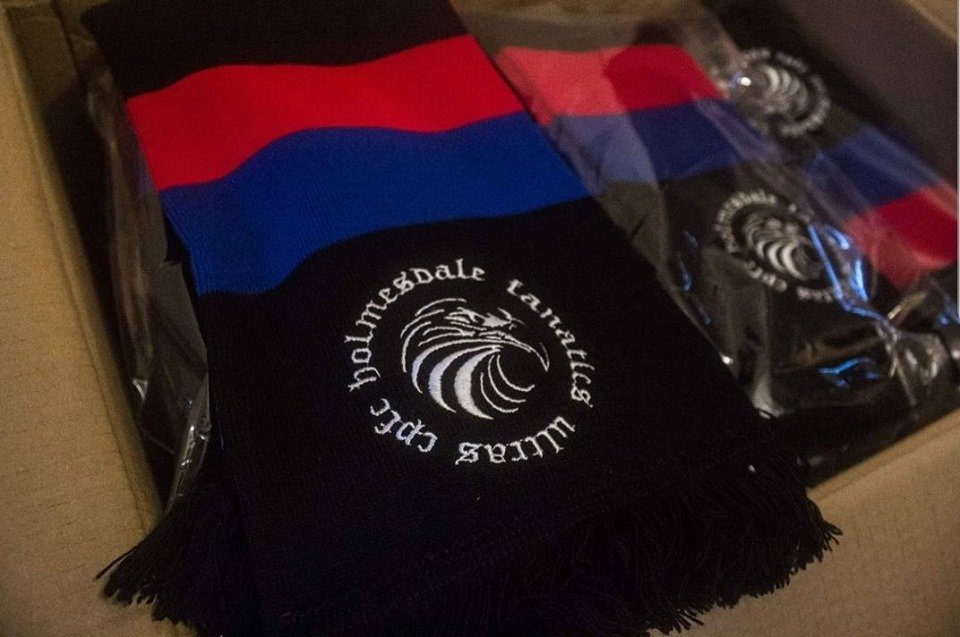 ***FULL MERCH STAND*** The group will have a full merch stand running from 4:30 - kick off and during half time at the back of block E. New group scarves now available.  Get in early for a pre match concourse build up, let's have it today Palace.  HF05 CPFC <br>http://pic.twitter.com/9GFGKwvLv7