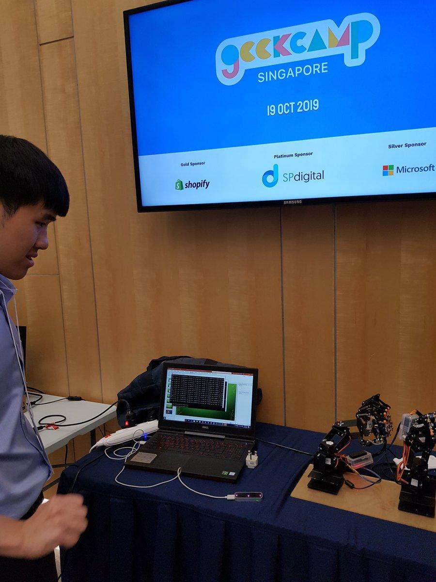 Really good talks on various topics @geekcamp Singapore today! #dev #robotics #art #music #future