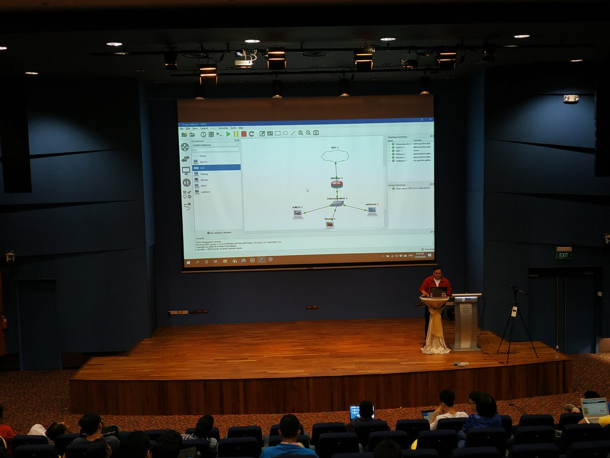 Hazwan sharing how to build a Virtual Network Testbed Using GNS3 #geekcampsg