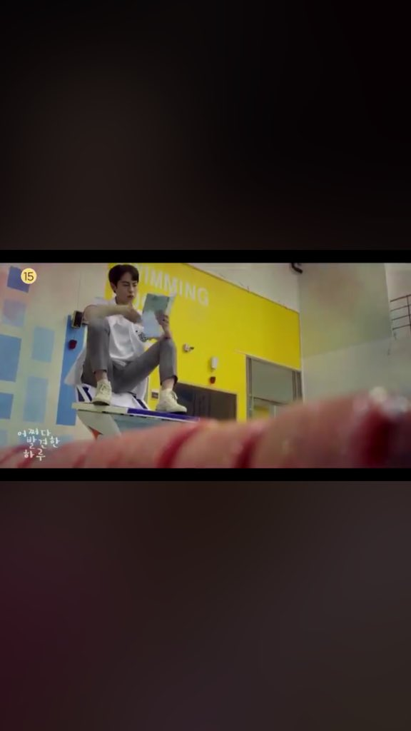 so Baek Kyung is the one who ripped Haru's drawings and threw them to the swimming pool.... #ExtraordinaryYou <br>http://pic.twitter.com/l97IY27eH5
