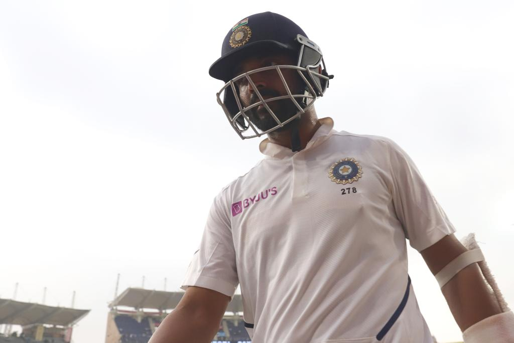 That's stumps at Ranchi! Play will start 30 minutes early tomorrow due to the lost time today ⏰Can Ajinkya Rahane bring up his 11th Test hundred?#INDvSA 📝👇http://bit.ly/IndvsSA6