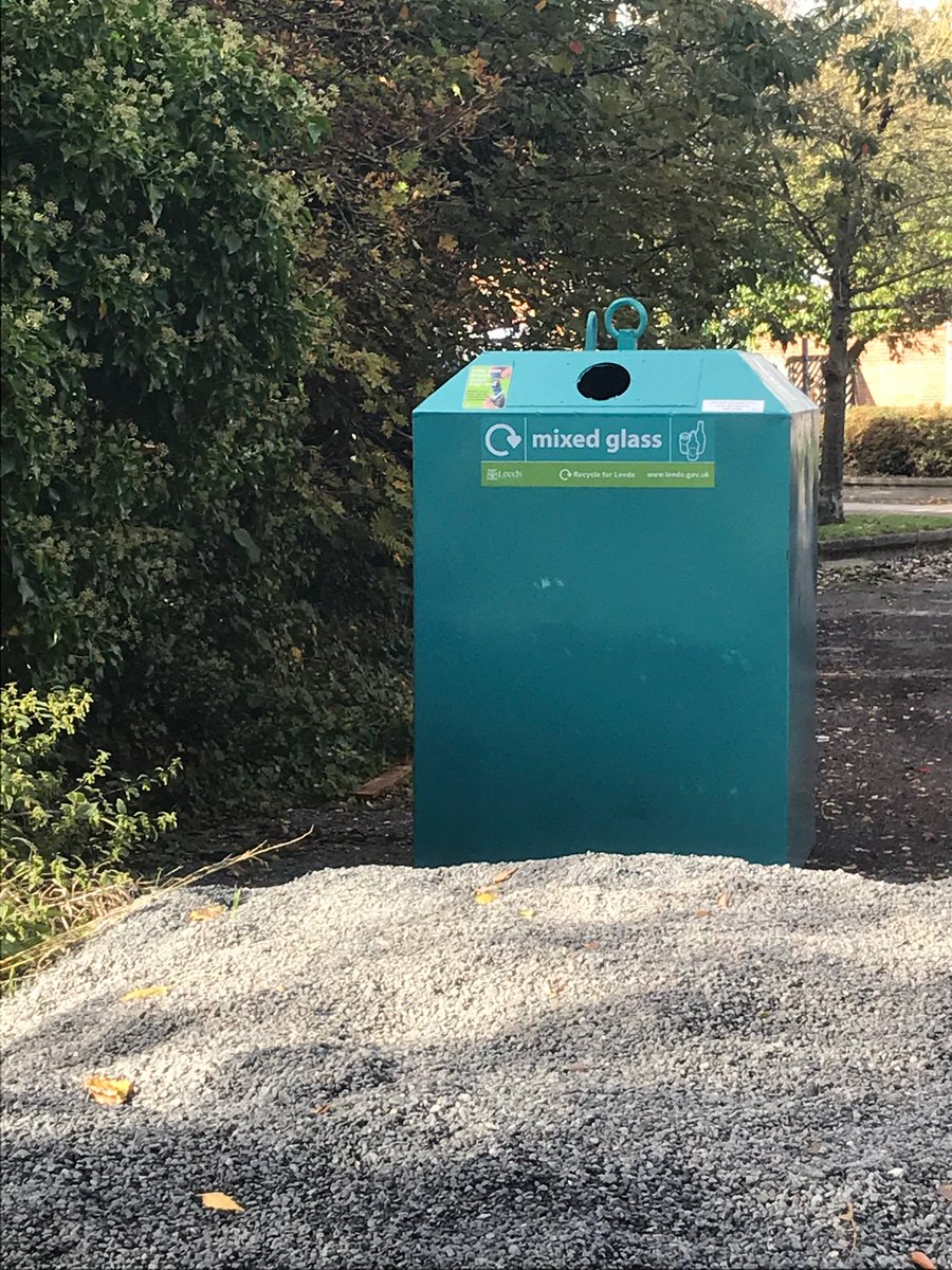 A couple of small but important things that @cllr_harland @MirelleKMLabour and I have worked on. We've got a new glass bin at Ledston Luck and the defibrillator we gave a grant towards as part of the cost has arrived at @KippaxNorth school.