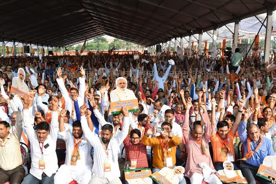 Glimpses from today's rallies in Sirsa and Rewari. I am confident the people of Haryana will bless the BJP yet again.