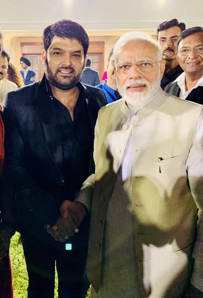 आदरणीय प्रधानमंत्री श्री @narendramodi जी, आप से मिल कर और आपके विचार सुन कर बहुत अच्छा लगा। आप के कुशल नेतृत्व में हमारा देश नयीं नयीं ऊँचाइयों को छूता रहे और आप ऐसे ही हमारा मार्गदर्शन करते रहें, ईश्वर से यही प्रार्थना है! जय हिंद 🙏