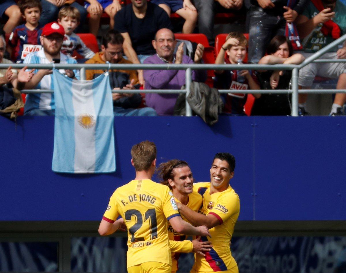 ✅ Antoine Griezmann ✅ Lionel Messi ✅ Luis Suarez Barcelonas front three score in the same game. 🔥