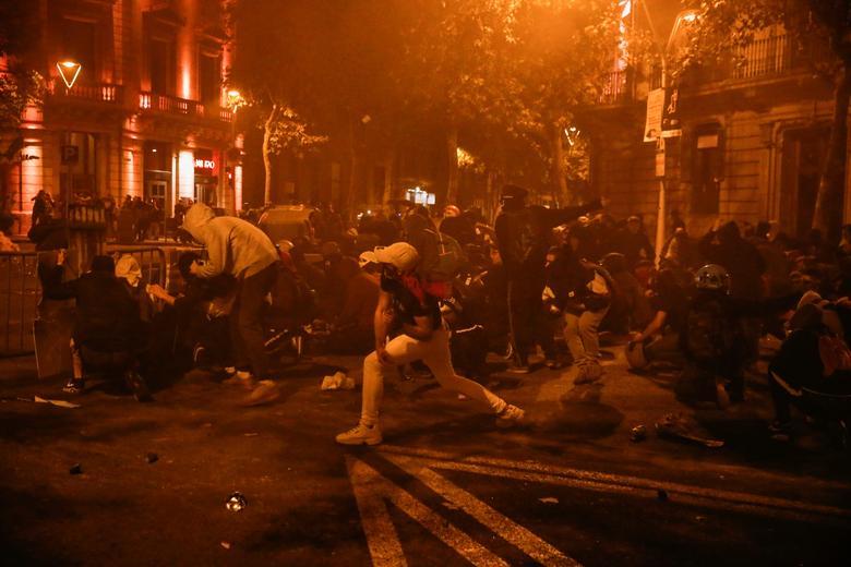 Борьба с мародерами в Барселоне