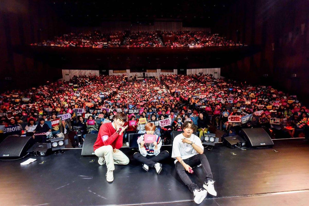#iKON 全国6都市12公演からなるファンミーティングがスタート   JAYとJU-NEはMCでも大活躍(※ほか画像あり)